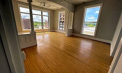 Living Room, 16-20 W. Huron, 0