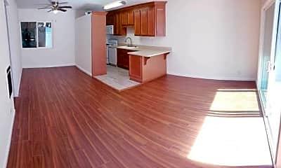Kitchen, 1721 Aviation Blvd, 1
