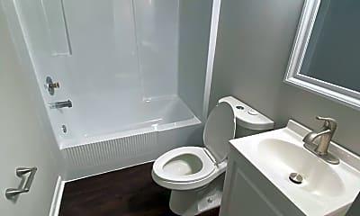 Bathroom, 427 S Main St, 2
