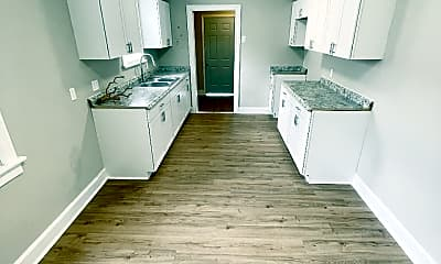 Kitchen, 3196 Park Ave, 2