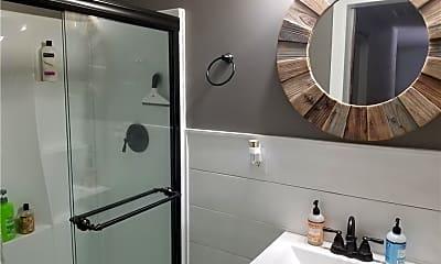 Bathroom, 4405 S Sandhill Rd, 1