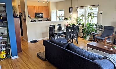 Living Room, 2535 W Harrison St, 1
