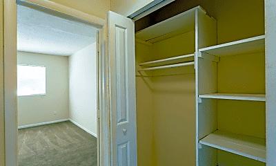 Bedroom, Rolling Hills Apartments, 2