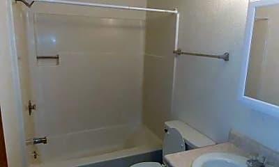 Bathroom, 3071-3091 D St NE, 2