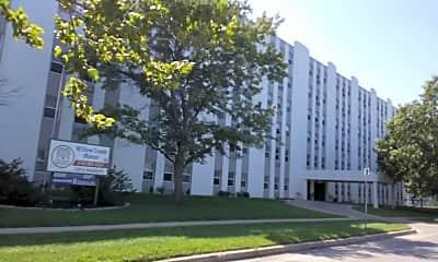 Willow Creek Manor Apartments, 2