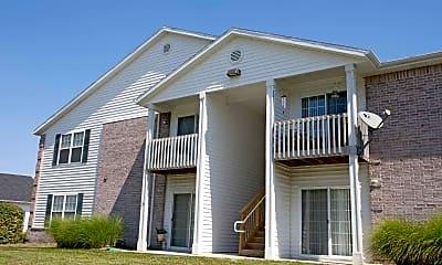 Building, Ozark Plantation Apartments, 1