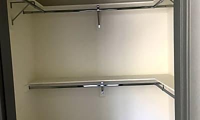 Bathroom, 3743 Midvale Ave, 2