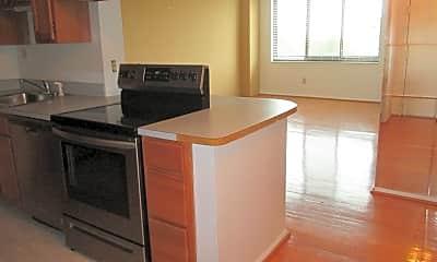 Kitchen, 5500 Holmes Run Pkwy, 1