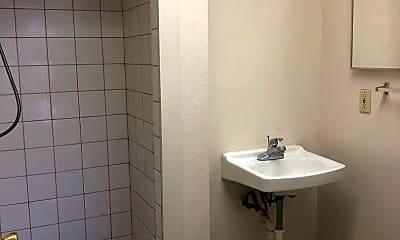 Bathroom, 2260 Wilcox Ave, 2