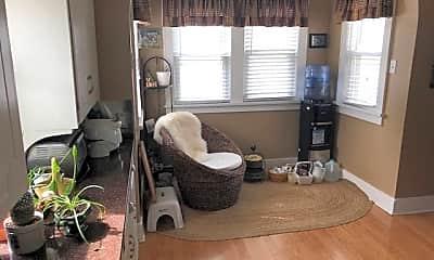 Living Room, 2939 Lincoln St NE, 0