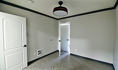 Bedroom, 912 E Bridger Ave, 2