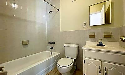 Bathroom, 69 Cooper St, 2