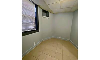 Bathroom, 123 N 36th St, 2