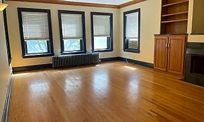 Living Room, 7552 N Oakley Ave, 1