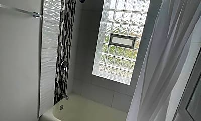 Bathroom, 8209 S Ellis Ave, 2