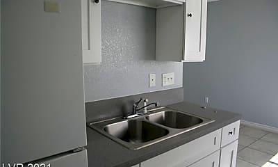 Kitchen, 2612 E Mesquite Ave 3, 1