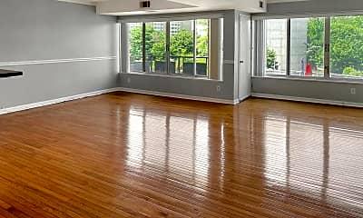 Living Room, 5340 Holmes Run Pkwy 305, 0