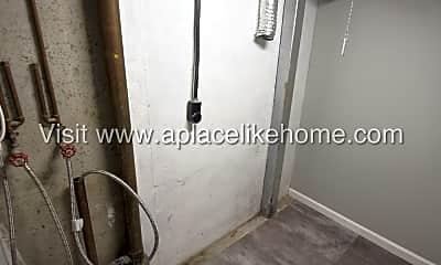Bathroom, 4736 Antioch Rd, 2