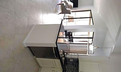 Kitchen, 5475 Verona Dr J, 1