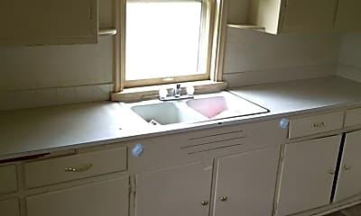 Bathroom, 847 Washington St, 1