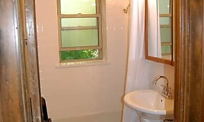 Bathroom, 520 W Belden Ave, 2