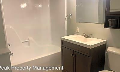 Bathroom, 616 Chimborazo Blvd, 2