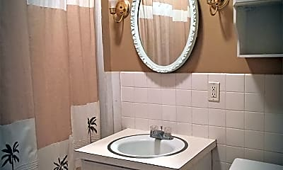 Bathroom, 630 Lyndale St, 2