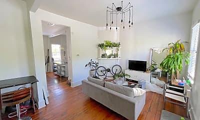 Living Room, 606 E Henry St, 1