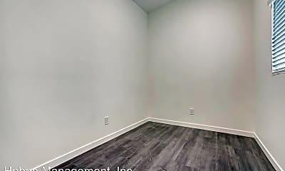 Bedroom, 2143 Everett Ave, 2
