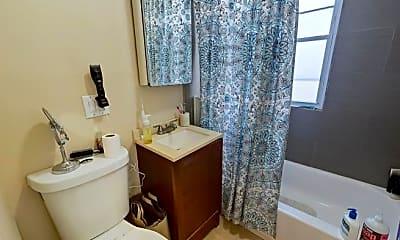 Bathroom, 2971 Washington St, 2