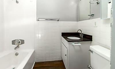 Bathroom, 2626 W 9th St N, 2
