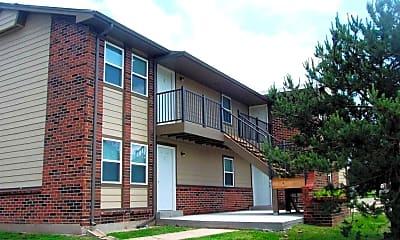 Building, Pine Creek Apartments, 0
