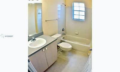 Bathroom, 1505 Belmont Ln, 2