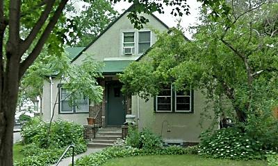 Building, 2101 N Vincent Ave, 2