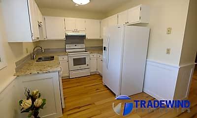 Kitchen, 305 Shawnee Trail, 1