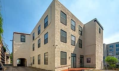 Building, 4 Leverington Ave 102, 2
