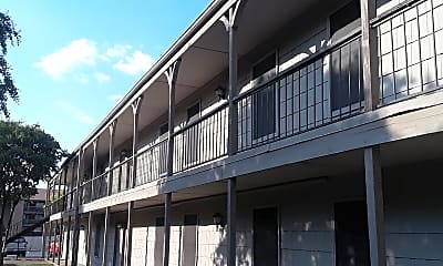 Highlander Square Apartments, 2