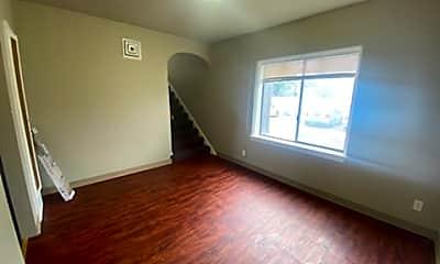 Living Room, 1333 N Main St, 0