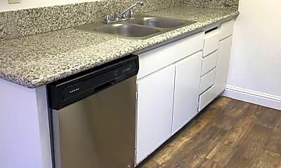 Kitchen, 2416 Moraine Cir, 2