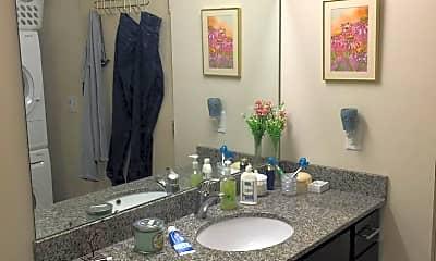 Bathroom, 500 Iowa St, 1