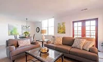 Living Room, 2147 S Main St, 0