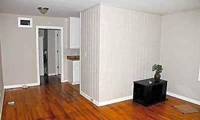 Living Room, 1518 Cleveland St, 1