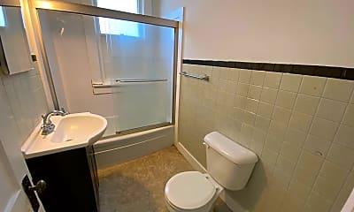 Bathroom, 486 W 4th Ave, 2
