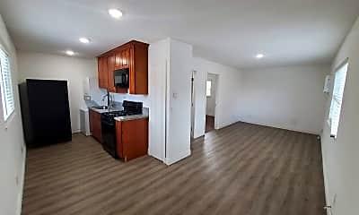 Living Room, 1738 Linda Ave, 1