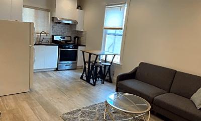Living Room, 882 29th St, 1