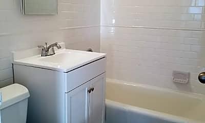 Bathroom, 139 E 27th St, 2