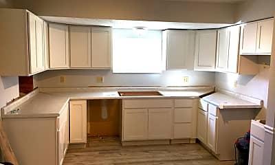 Kitchen, 1700 Sandy Side Dr, 1