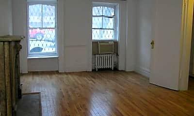 Patio / Deck, 439 W 43rd St, 1
