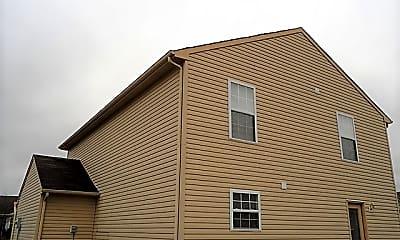 Building, 17357 Pine Wood Lane, 2