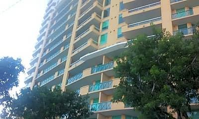 The Las Olas Grand Condominiums, 2